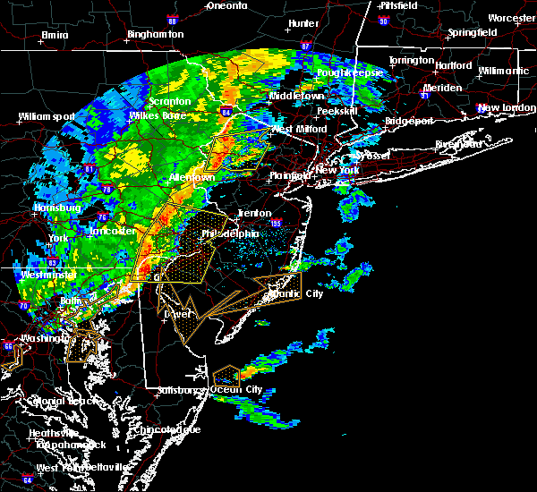Radar Image for Severe Thunderstorms near Mountain Lake, NJ at 6/5/2016 5:34 PM EDT