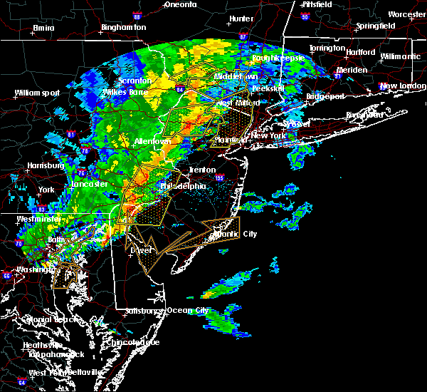 Radar Image for Severe Thunderstorms near Paterson, NJ at 6/5/2016 5:50 PM EDT