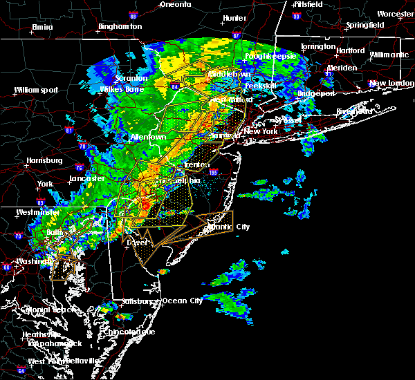 Radar Image for Severe Thunderstorms near Clayton, NJ at 6/5/2016 6:02 PM EDT