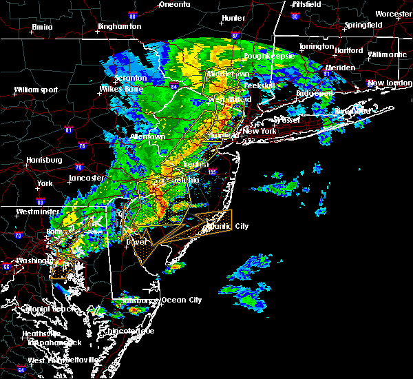 Radar Image for Severe Thunderstorms near Paterson, NJ at 6/5/2016 6:21 PM EDT