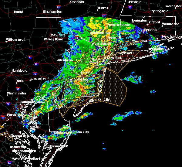 Radar Image for Severe Thunderstorms near Paterson, NJ at 6/5/2016 6:43 PM EDT