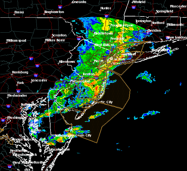 Radar Image for Severe Thunderstorms near Burlington, NJ at 6/5/2016 7:02 PM EDT