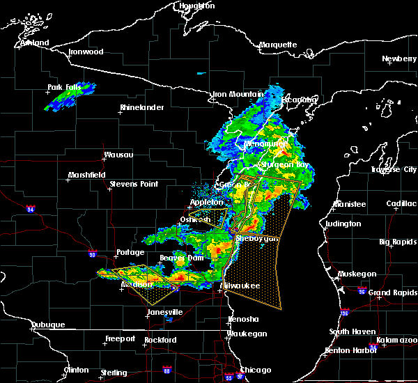 Radar Image for Severe Thunderstorms near Manitowoc, WI at 6/5/2016 6:36 PM CDT