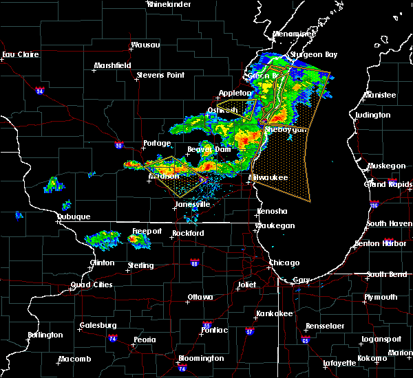Radar Image for Severe Thunderstorms near Windsor, WI at 6/5/2016 6:38 PM CDT