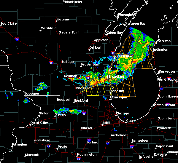 Radar Image for Severe Thunderstorms near Wales, WI at 6/5/2016 7:16 PM CDT
