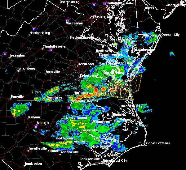 Radar Image for Severe Thunderstorms near Chesapeake, VA at 6/5/2016 8:58 PM EDT