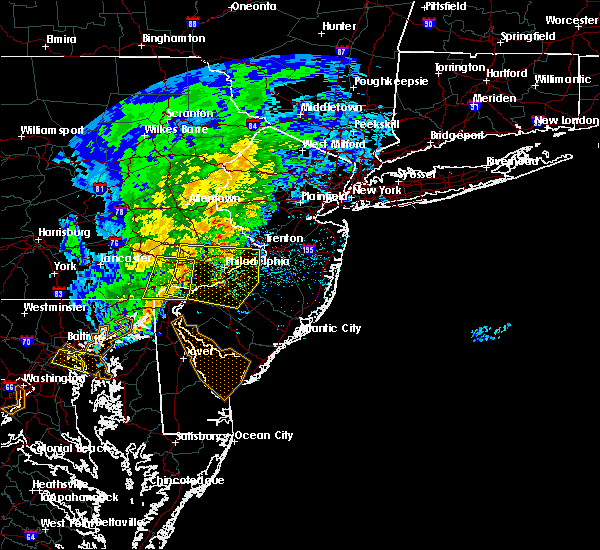 Radar Image for Severe Thunderstorms near Roebling, NJ at 6/8/2016 11:33 AM EDT