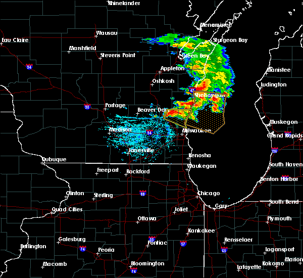 Radar Image for Severe Thunderstorms near Mequon, WI at 6/15/2016 7:48 PM CDT