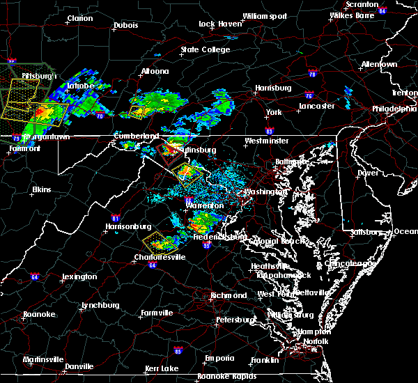 Radar Image for Severe Thunderstorms near Charles Town, WV at 6/16/2016 4:32 PM EDT