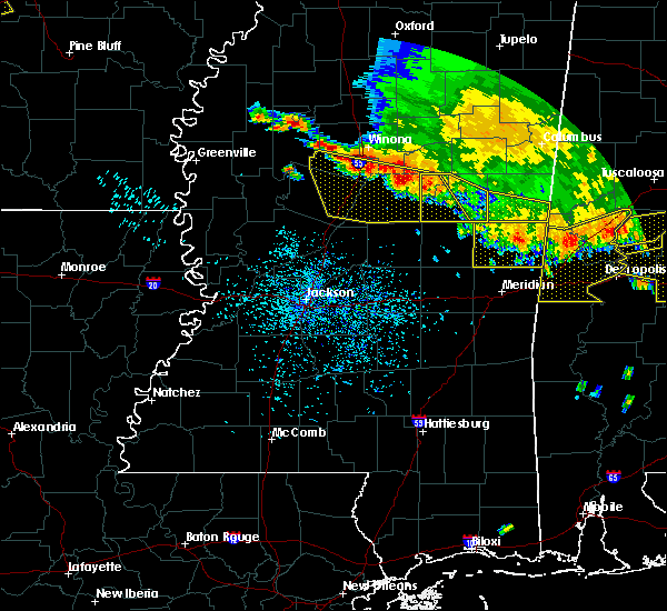 Radar Image for Severe Thunderstorms near Schlater, MS at 6/17/2016 4:05 PM CDT