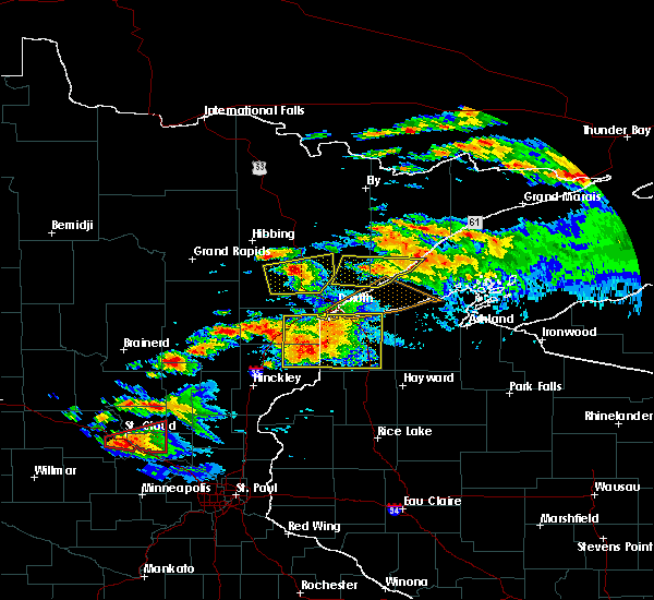 Radar Image for Severe Thunderstorms near Duluth, MN at 6/19/2016 8:52 PM CDT