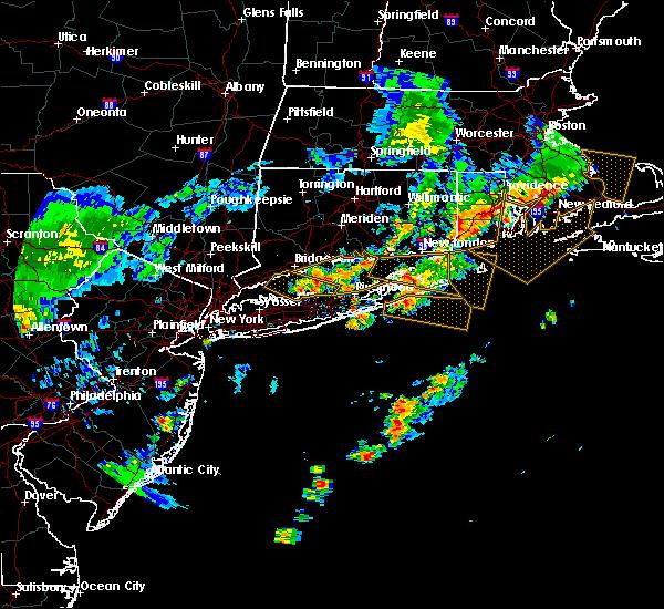 Radar Image for Severe Thunderstorms near Shoreham, NY at 6/21/2016 5:14 AM EDT