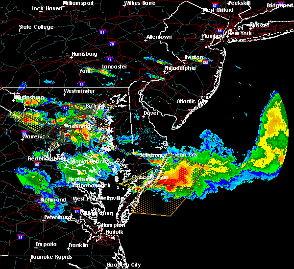 Radar Image for Severe Thunderstorms near Chincoteague, VA at 6/21/2016 6:31 PM EDT