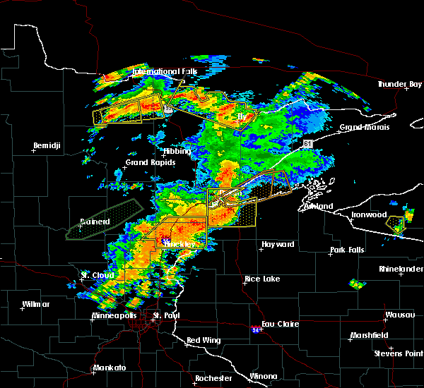 Radar Image for Severe Thunderstorms near Duluth, MN at 6/25/2016 5:36 PM CDT