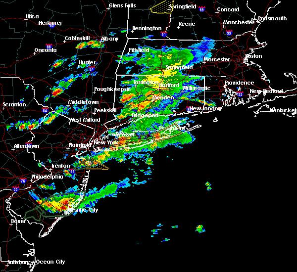 Radar Image for Severe Thunderstorms near Riverside, NY at 7/1/2016 6:56 PM EDT