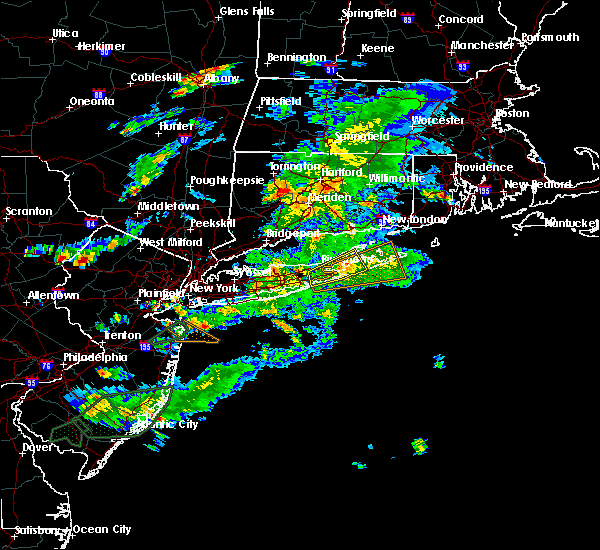 Radar Image for Severe Thunderstorms near Riverside, NY at 7/1/2016 7:20 PM EDT