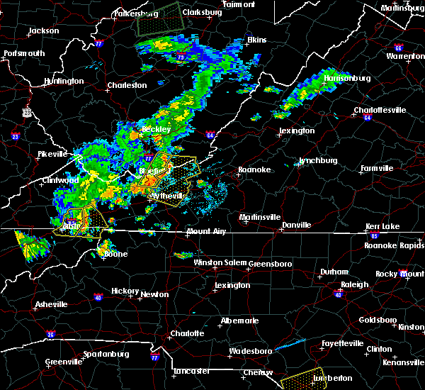 Radar Image for Severe Thunderstorms near Mountain City, TN at 7/4/2016 9:13 PM EDT
