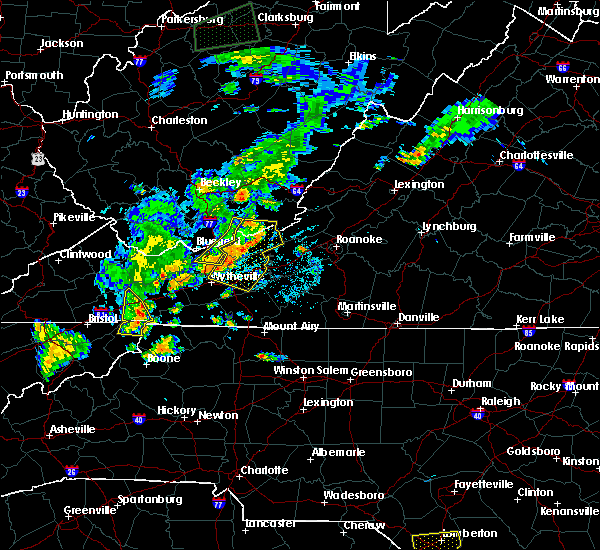 Radar Image for Severe Thunderstorms near Mountain City, TN at 7/4/2016 9:28 PM EDT