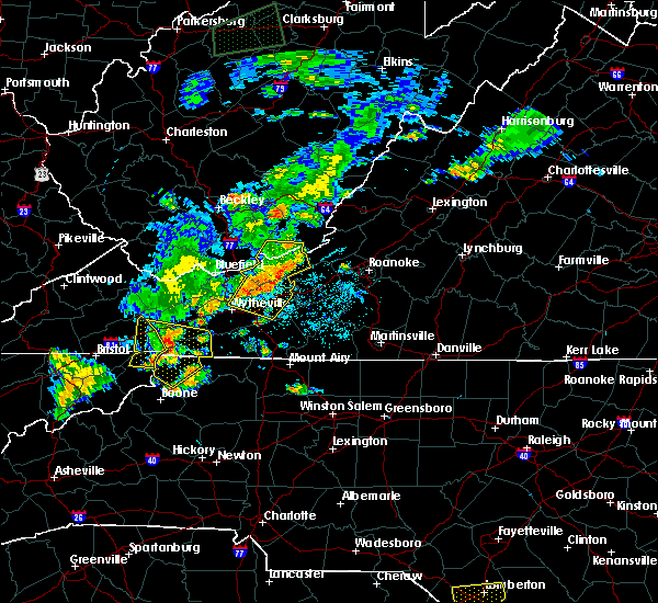 Radar Image for Severe Thunderstorms near Mountain City, TN at 7/4/2016 9:41 PM EDT