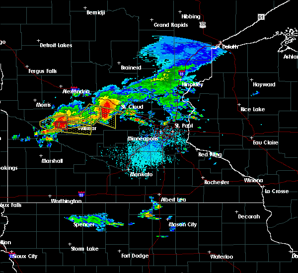 Radar Image for Severe Thunderstorms near Annandale, MN at 7/5/2016 4:32 PM CDT