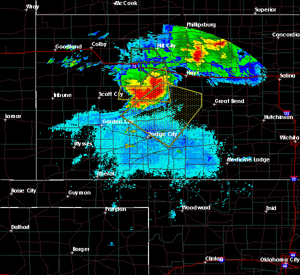 Radar Image for Severe Thunderstorms near Jetmore, KS at 7/5/2016 11:24 PM CDT