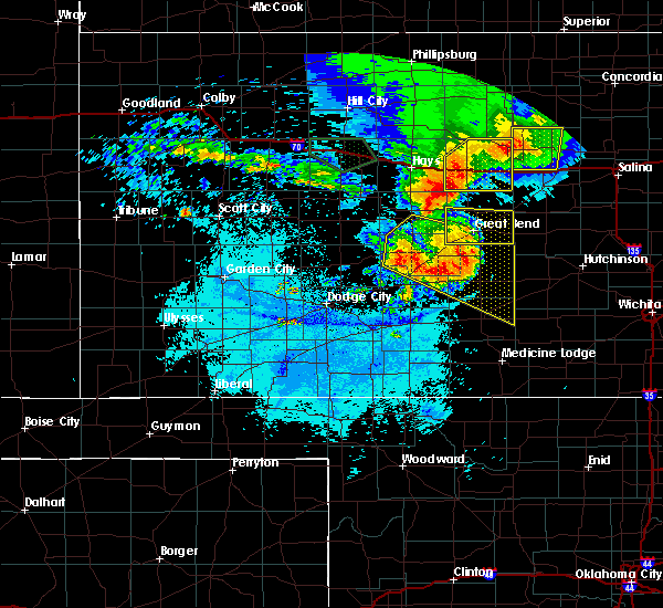 Radar Image for Severe Thunderstorms near Hoisington, KS at 7/6/2016 12:41 AM CDT