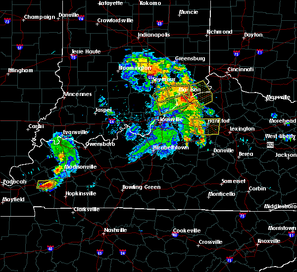 Radar Image for Severe Thunderstorms near Frankfort, KY at 7/8/2016 11:30 AM EDT