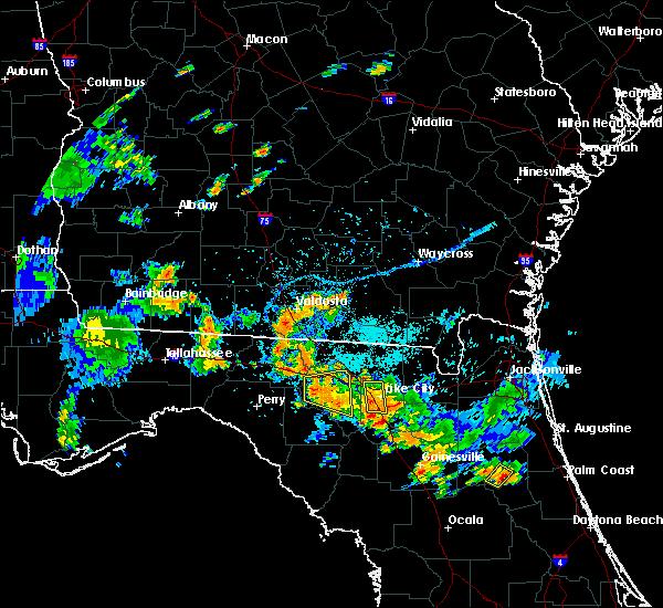 Radar Image for Severe Thunderstorms near Live Oak, FL at 7/12/2016 6:01 PM EDT