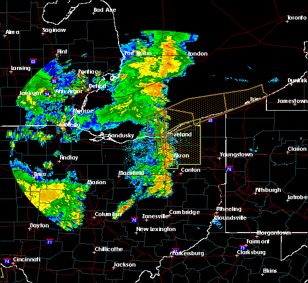 Radar Image for Severe Thunderstorms near Orange, OH at 7/13/2016 10:21 PM EDT