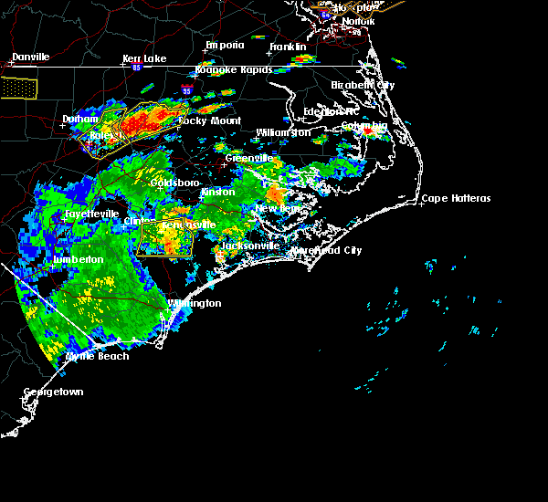 Radar Image for Severe Thunderstorms near Jacksonville, NC at 7/15/2016 6:04 PM EDT