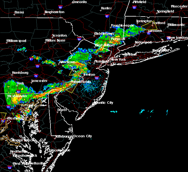 Radar Image for Severe Thunderstorms near Flemington, NJ at 7/18/2016 4:02 PM EDT