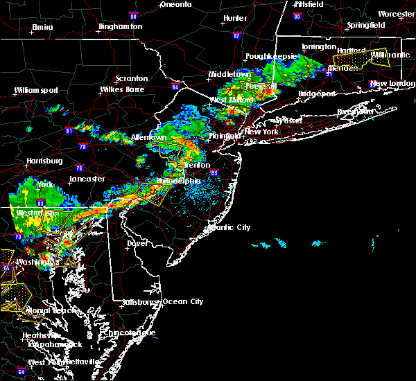 Radar Image for Severe Thunderstorms near Woodbridge, NJ at 7/18/2016 4:11 PM EDT