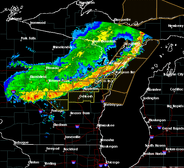 Radar Image for Severe Thunderstorms near Sturgeon Bay, WI at 7/21/2016 8:30 AM CDT