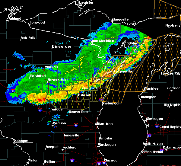 Radar Image for Severe Thunderstorms near Sturgeon Bay, WI at 7/21/2016 8:46 AM CDT