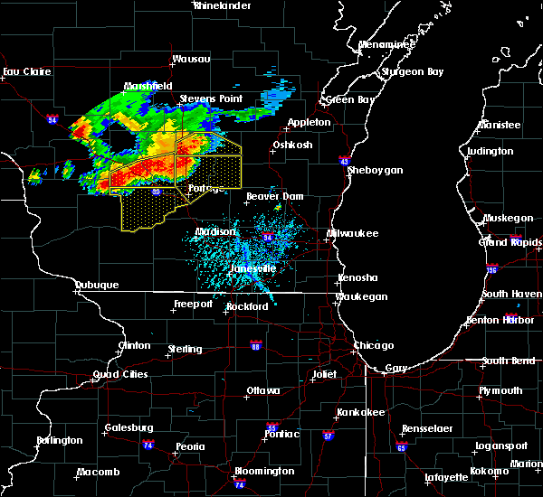 Radar Image for Severe Thunderstorms near Portage, WI at 7/21/2016 4:47 PM CDT