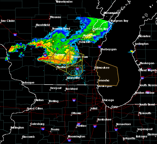 Radar Image for Severe Thunderstorms near Windsor, WI at 7/21/2016 5:45 PM CDT