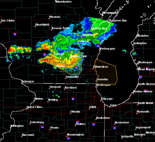 Radar Image for Severe Thunderstorms near Madison, WI at 7/21/2016 6:04 PM CDT