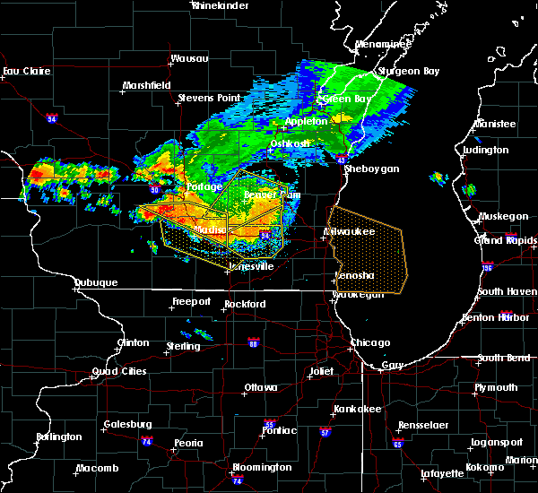 Radar Image for Severe Thunderstorms near Waupun, WI at 7/21/2016 6:10 PM CDT