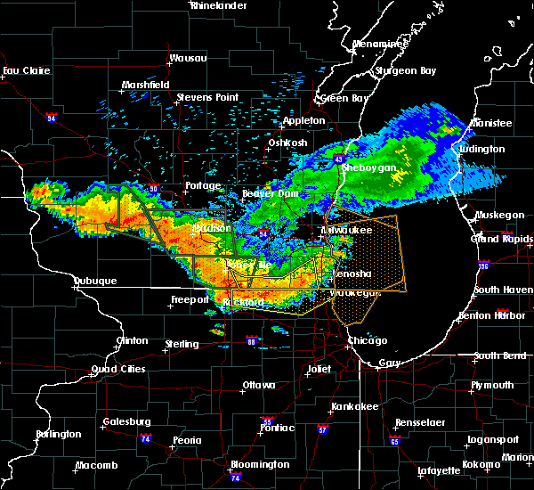 Radar Image for Severe Thunderstorms near Round Lake, IL at 7/21/2016 7:33 PM CDT
