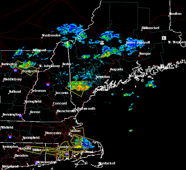 Radar Image for Severe Thunderstorms near Standish, ME at 7/22/2016 9:27 PM EDT