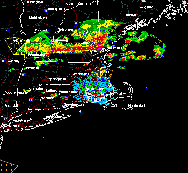 Radar Image for Severe Thunderstorms near Nahant, MA at 7/23/2016 6:11 PM EDT