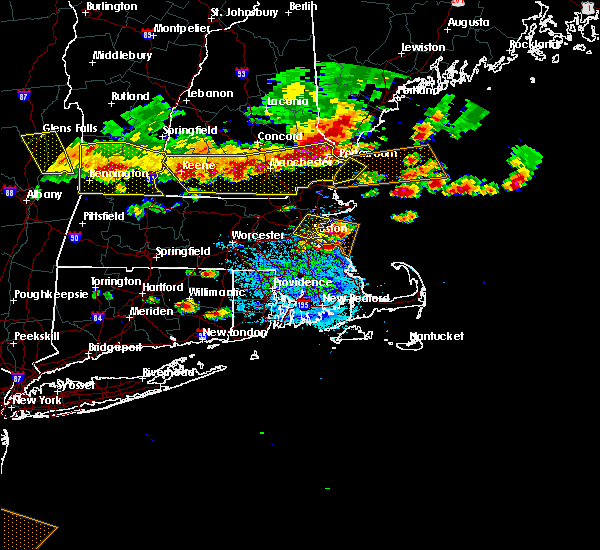 Radar Image for Severe Thunderstorms near Nahant, MA at 7/23/2016 6:27 PM EDT