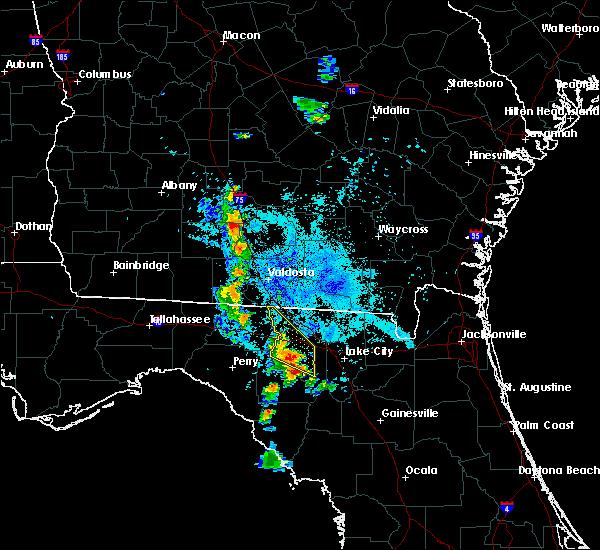 Radar Image for Severe Thunderstorms near Live Oak, FL at 7/24/2016 9:33 PM EDT