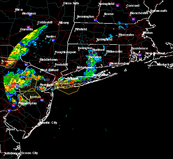 Radar Image for Severe Thunderstorms near Hewlett Harbor, NY at 7/25/2016 4:40 PM EDT