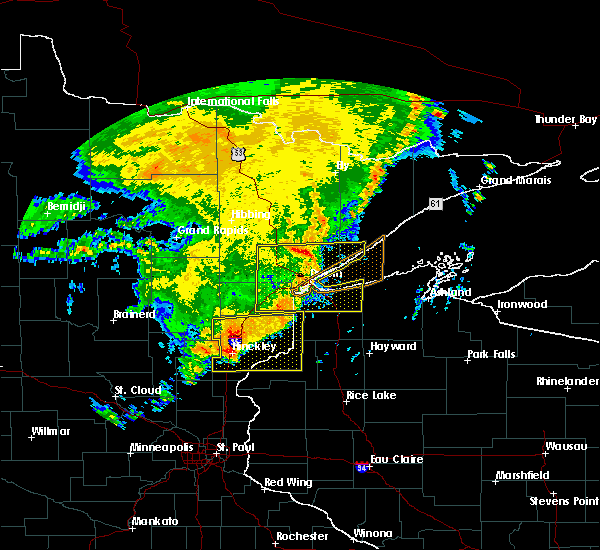 Radar Image for Severe Thunderstorms near Kerrick, MN at 8/4/2016 4:38 AM CDT