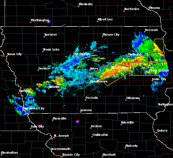 Radar Image for Severe Thunderstorms near Dysart, IA at 8/4/2016 7:24 PM CDT