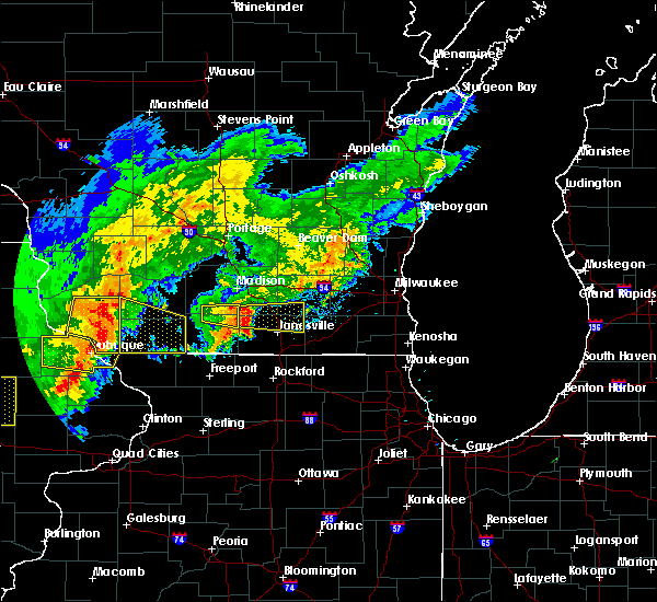 Radar Image for Severe Thunderstorms near Oregon, WI at 8/4/2016 7:59 PM CDT