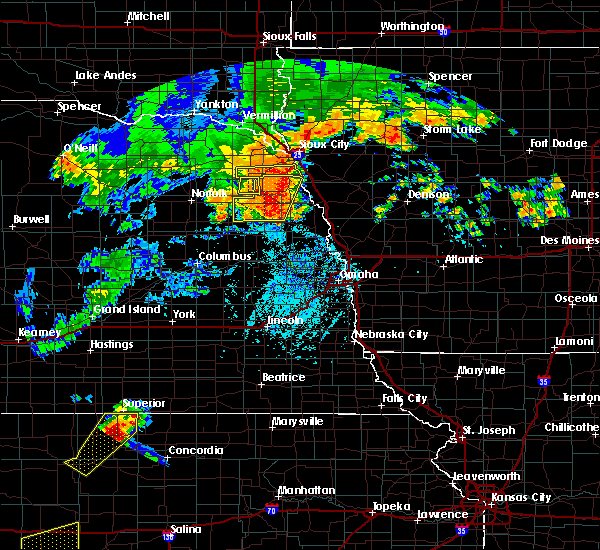 Radar Image for Severe Thunderstorms near Wakefield, NE at 8/11/2016 5:54 PM CDT