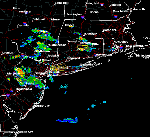 Radar Image for Severe Thunderstorms near East Hampton, CT at 8/11/2016 6:56 PM EDT