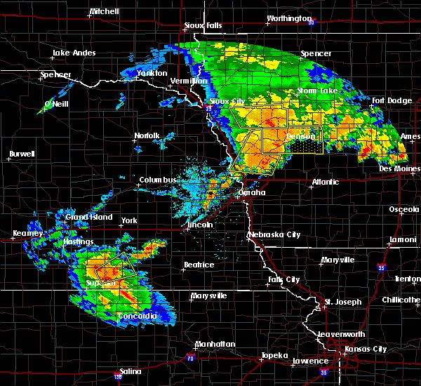 Radar Image for Severe Thunderstorms near Moorhead, IA at 8/11/2016 7:17 PM CDT